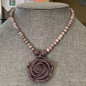 14mm stone carved rose pendant NWOT
